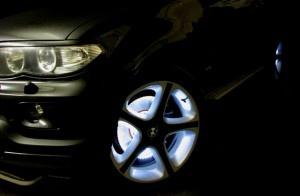 Идеи: Светящаяся краска для дисков — уникальность любого авто